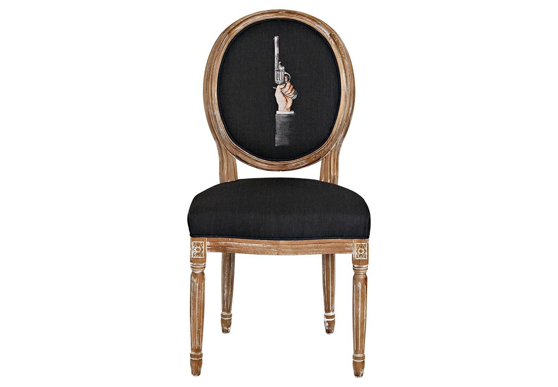 Стул «Агент», версия 2Обеденные стулья<br>Стул &amp;quot;Агент&amp;quot;, версия 2, - визитное украшение гостиной комнаты и столовой, спальни и кабинета, студии и холла. Рисунок в жанре современного постмодернизма роскошен в обрамлении французского дворцового классицизма, украсившего благородный корпус стула из бука. Цветочные узоры, кольца и желобки придают массивному дереву визуальную легкость. Фактура древесины подчеркнута рукописной патиной. Обивка оснащена тефлоновым покрытием против пятен.&amp;lt;div&amp;gt;&amp;lt;br&amp;gt;&amp;lt;/div&amp;gt;&amp;lt;div&amp;gt;Материал: каркас - бук, обивка - 20% лен, 80% полиэстер&amp;lt;br&amp;gt;&amp;lt;/div&amp;gt;<br><br>Material: Бук<br>Width см: 62<br>Depth см: 50<br>Height см: 101