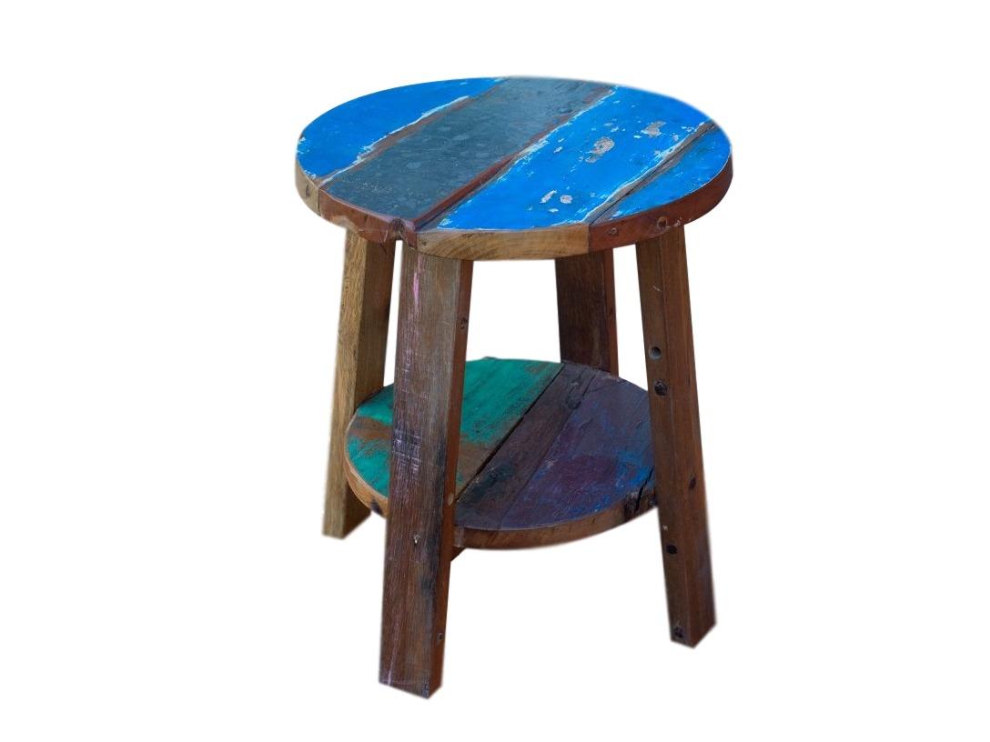 Стол  FlowerПриставные столики<br>Стол выполнен из элементов старых лодок, оригинальные цвета, покрыт шеллаком. Ручная работа придает каждому экземпляру уникальности.<br><br>Material: Дерево<br>Высота см: 53