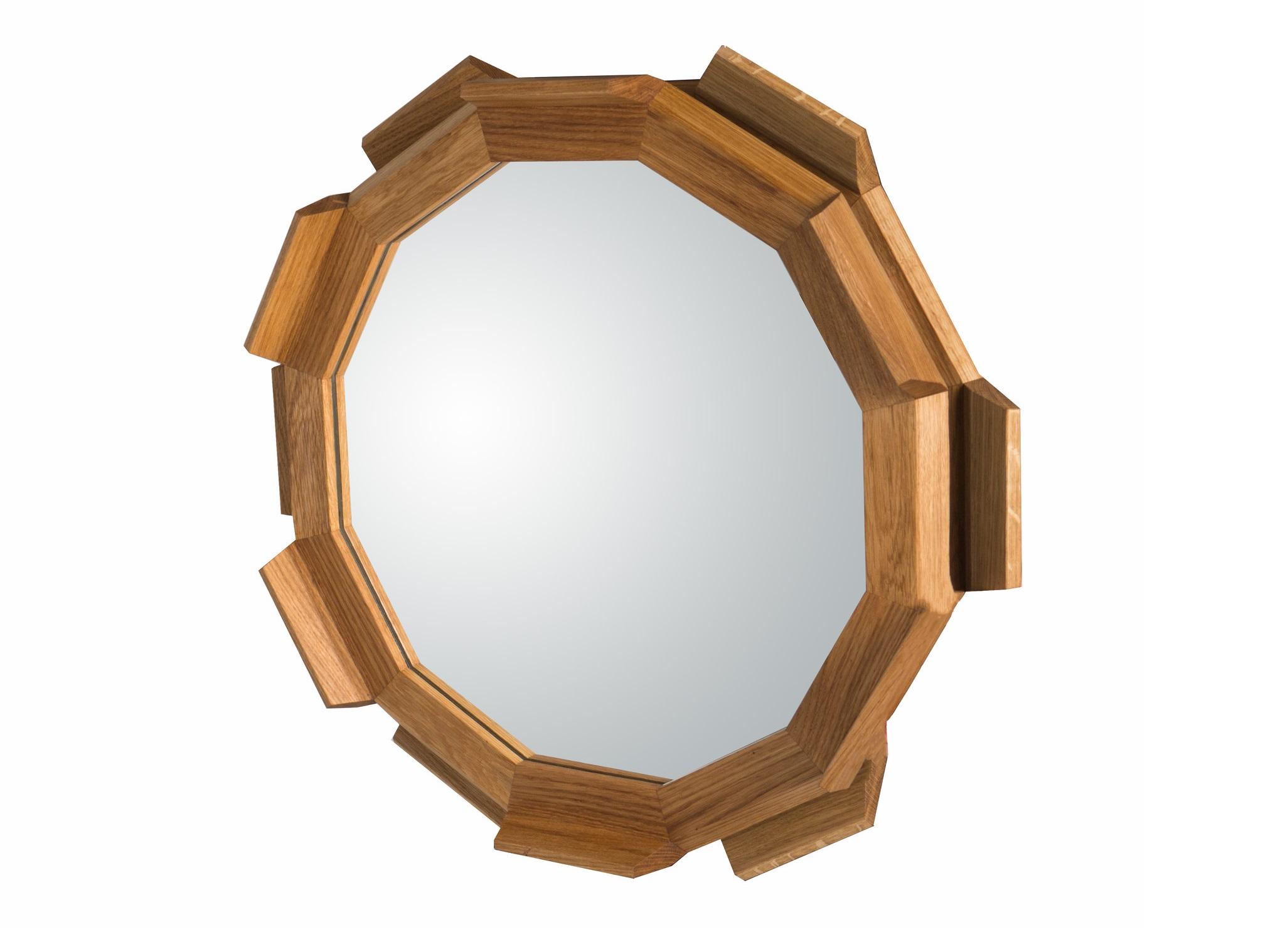 Зеркало Kupus 6Настенные зеркала<br>Настенное зеркало из массива дуба. Отделка — натуральное масло, благодаря чему открывается естественная структура  дерева. Зеркальное полотно крепится к внешней верхней раме, благодаря чему создается эффект зависшего в воздухе космического корабля. В нижнюю раму вмонтирована латунная фурнитура, поэтому зеркало можно легко и просто повесить.&amp;amp;nbsp;<br><br>Material: Дуб<br>Depth см: 12<br>Diameter см: 72