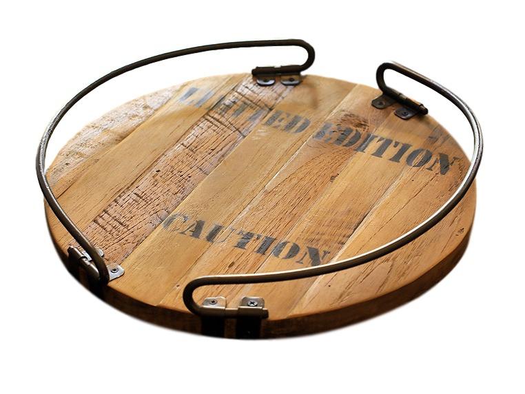 Поднос круглый FerumДекоративные подносы<br>Поднос от компании Teak House - красивый и практичный предмет для кухни. Выполненный из прочной влагоустойчивой древесины тика, с модным принтом, двумя металлическими дугообразными держателями, этот поднос придется по вкусу ценителям стильных оригинальных аксессуаров. Отличный вариант для подарка.&amp;amp;nbsp;<br><br>Material: Тик<br>Length см: None<br>Width см: None<br>Depth см: None<br>Height см: 5.0<br>Diameter см: 35.0
