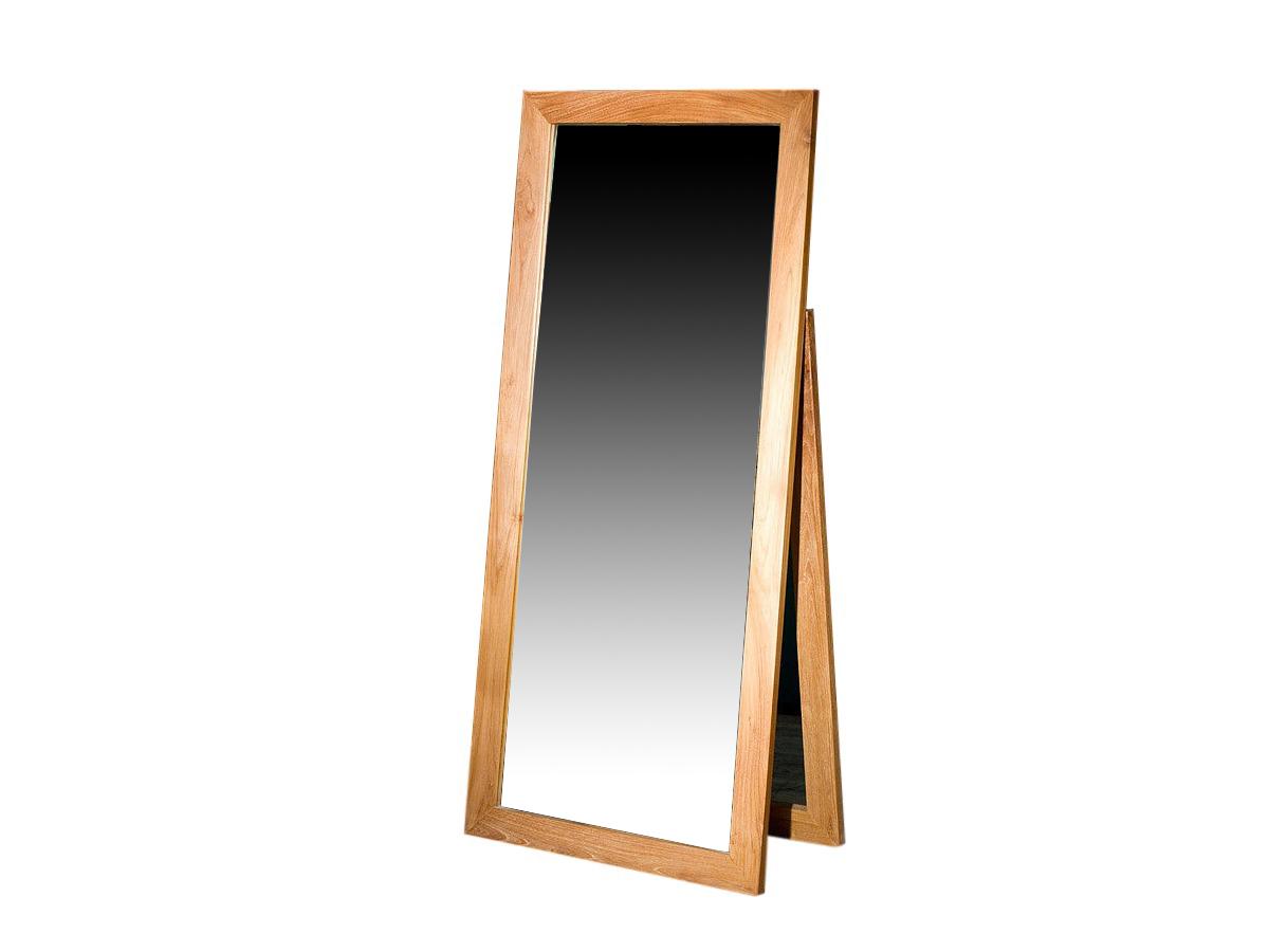 Зеркало напольное LabauleНапольные зеркала<br>Напольное зеркало из далекой Индонезии придаст интерьеру особую изюминку: рама изготовлена из красивой, влагоустойчивой и прочной тиковой древесины. Любители аутентичных вещей, путешествий и этнических мотивов в интерьере оценят это зеркало по достоинству.<br><br>Material: Тик<br>Length см: None<br>Width см: 70.0<br>Depth см: 3.0<br>Height см: 160.0<br>Diameter см: None