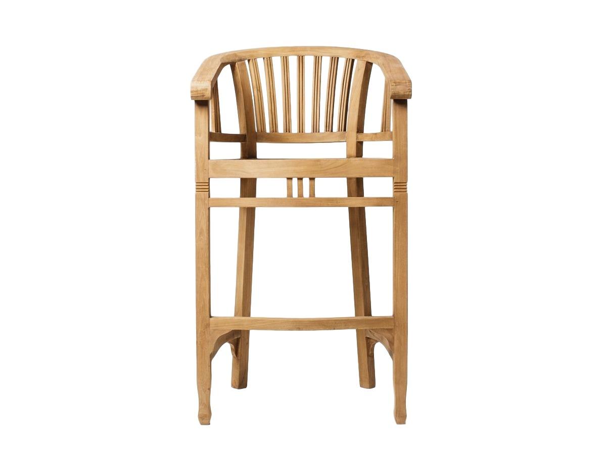 Стул барный BataviaБарные стулья<br>Teak House продолжает радовать своих ценителей оригинальными предметами из тика. Этот стул также изготовлен из тиковой древесины, благодаря влагоустойчивости и прочности которой, этот высокий барный можно поставить не только на кухне или веранде, но и во влажных помещениях, например, в бане или сауне.<br><br>Material: Тик<br>Ширина см: 49<br>Высота см: 107<br>Глубина см: 55