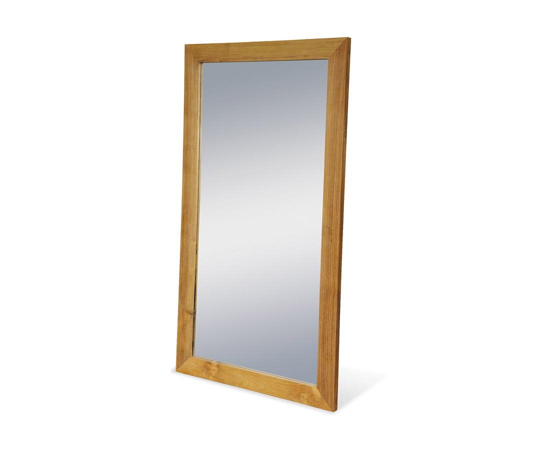 Зеркало  Labaule IНастенные зеркала<br>Большое зеркало от индонезийской компании Teak House обрамлено рамой из прочного влагоустойчивого тика, что позволит использовать его во влажных помещениях — в ванной или сауне. Зеркало можно разместить горизонтально или вертикально.<br><br>Material: Тик<br>Width см: 70<br>Depth см: 3<br>Height см: 130