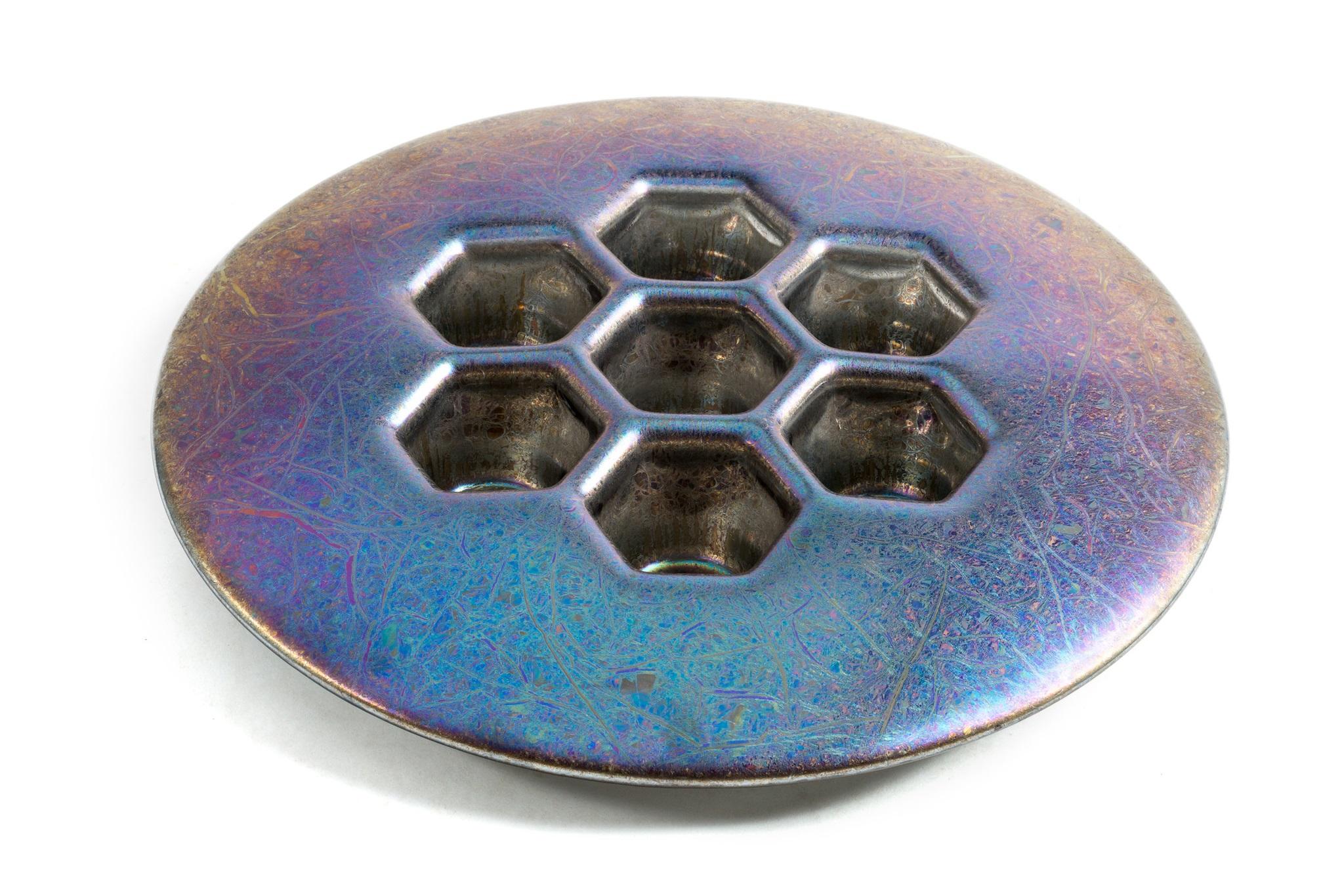 Ваза CellsДекоративные блюда<br>Простая, понятная, и в то же время гениальная форма этого предмета декора вызывает восторг. Особенно, когда понимаешь, что перед тобой стекло. Cells Chameleon – это нечто большее, чем просто ваза. Cells – это, прежде всего, уникальная работа от мастеров +Object.<br><br>kit: None<br>gender: None