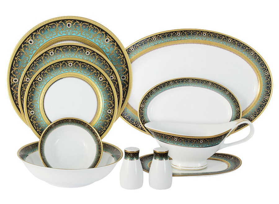 Обеденный сервиз 51 предмет на 12 персон ПринцСтоловые сервизы<br>В комплект входят: 12 закусочных тарелок 19см, 12 обеденных тарелок 27см, 12 суповых тарелок 22см,2 салатника 23см, 4 салатника 14см, 3 блюда 22см, 2 блюда 36см, соусник на блюдце,солонка, перечница.<br><br>Material: Фарфор