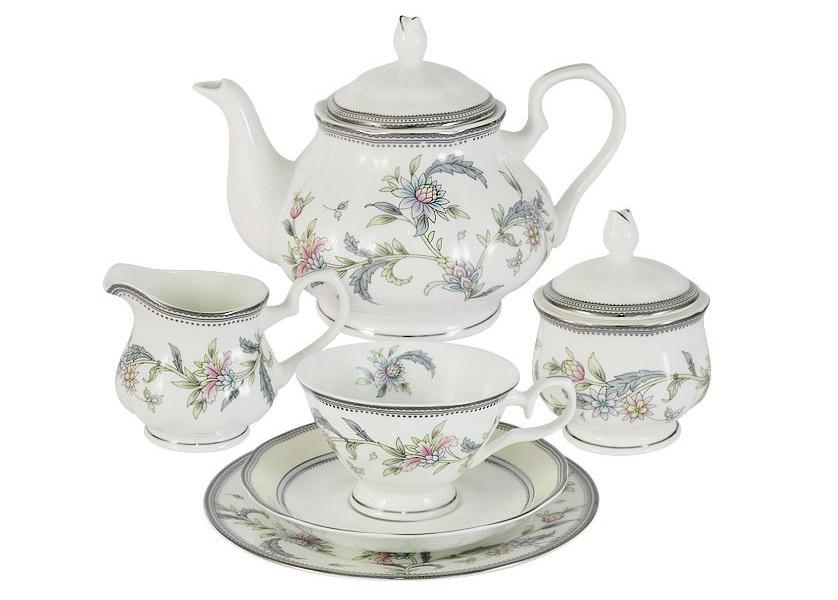 Чайный сервиз 21 предмет на 6 персон Сад цветовЧайные сервизы<br>В комплект входят: 6 чашек 0,2л, 6 блюдец, 6 тарелок 18см, чайник 0.9л, сахарница 0,2л, молочник 0,2л.<br><br>Material: Фарфор