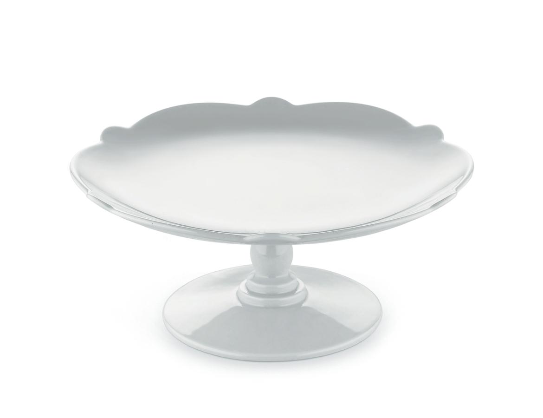 Подставка для торта Dressed for x-masПодставки и доски<br>Подставка для торта Dressed for X-mas выполнена из настоящего белого фарфора, благодаря чему станет прекрасным украшением праздничного стола. Она имеет элегантные формы, легкость и лаконичность декорирования, поэтому позволяет создать оригинальный акцент в интерьере и подчеркнуть тонкий вкус своего обладателя.&amp;amp;nbsp;<br><br>Material: Фарфор<br>Height см: 9<br>Diameter см: 20,5