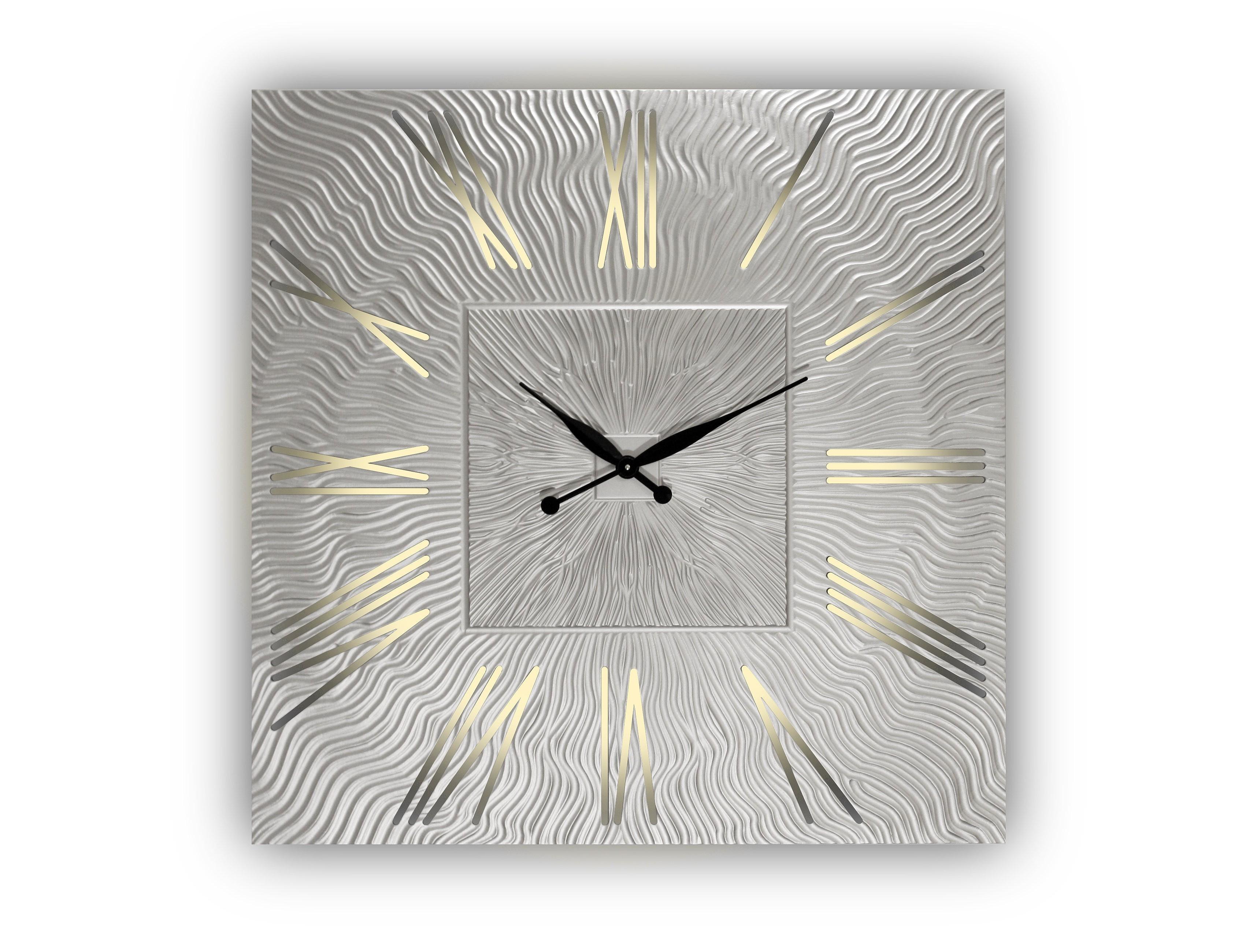 Часы настенные Twinkle QuНастенные часы<br>&amp;lt;div style=&amp;quot;font-size: 14px;&amp;quot;&amp;gt;Механизм кварцвевый&amp;lt;/div&amp;gt;&amp;lt;span style=&amp;quot;font-size: 14px;&amp;quot;&amp;gt;Часы оснащены встроенной светодиодной подсветкой&amp;lt;/span&amp;gt;&amp;lt;div style=&amp;quot;font-size: 14px;&amp;quot;&amp;gt;&amp;lt;span style=&amp;quot;font-size: 14px;&amp;quot;&amp;gt;Возможны варианты с другими размерами без изменения цены: представлены часы с диаметрами 90, 80, 75 и 65 см.&amp;lt;/span&amp;gt;&amp;lt;/div&amp;gt;<br><br>Material: Дерево<br>Height см: 0.8<br>Diameter см: 90
