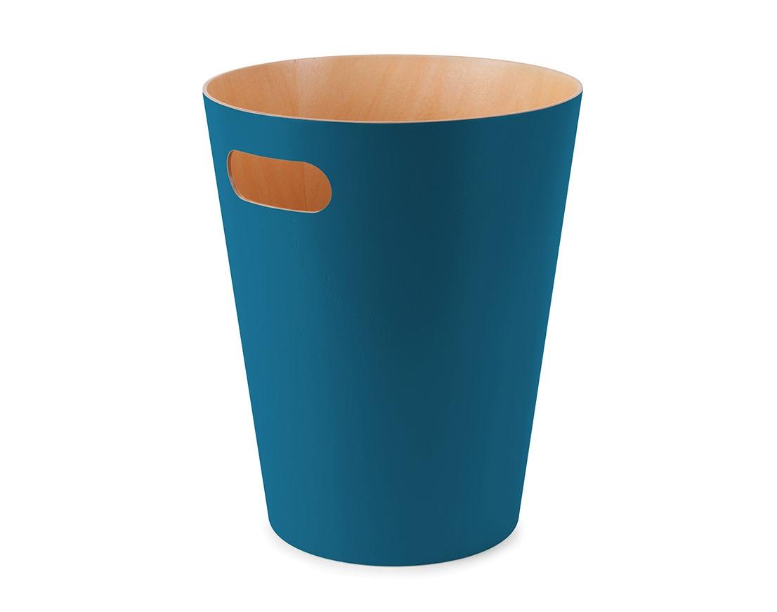Корзина для мусора WoodrowЕмкости для хранения<br>Минималистичная корзина для бумаг с удобной ручкой для переноски. Современный дизайн и натуральные материалы позволяют использовать корзину и в детской, и в офисе.&amp;lt;div&amp;gt;&amp;lt;br&amp;gt;&amp;lt;div&amp;gt;Материал — берёзовая гнутая фанера.&amp;lt;/div&amp;gt;&amp;lt;div&amp;gt;Объем — 9 литров.&amp;amp;nbsp;&amp;lt;/div&amp;gt;&amp;lt;/div&amp;gt;<br><br>Material: Фанера<br>Высота см: 27