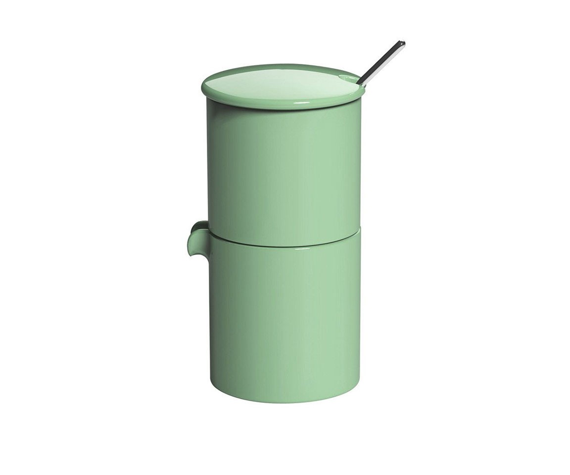 Набор: сахарница + молочник + ложечкаКофейники и молочники<br>Гонконгская компания LOVERAMICS занимает одну из первых позиций в Азии по производству посуды из костяного фарфора. Для изделий бренда характерны высокое качество и универсальный дизайн. Чашки, тарелки, пиалы отлично подходят как для китайской, так и для итальянской, французской кухни. Блюда из риса, паста, супы выглядят одинаково аппетитно.&amp;lt;div&amp;gt;&amp;lt;br&amp;gt;&amp;lt;/div&amp;gt;&amp;lt;div&amp;gt;&amp;lt;span style=&amp;quot;font-size: 14px;&amp;quot;&amp;gt;Объем: 90 мл.&amp;lt;/span&amp;gt;&amp;lt;br&amp;gt;&amp;lt;/div&amp;gt;<br><br>Material: Фарфор