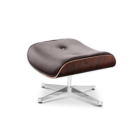 Пуф Eames LoungeКожаные пуфы<br>ROOMERS – это особенная коллекция, воплощение всего самого лучшего, модного и новаторского в мире дизайнерской мебели, предметов декора и стильных аксессуаров.<br>Интерьерные решения от ROOMERS – всегда актуальны, более того, они - на острие моды. Коллекции ROOMERS тщательно отбираются и обновляются дважды в год специально для вас.<br><br>Material: Кожа<br>Width см: 65<br>Depth см: 55<br>Height см: 41