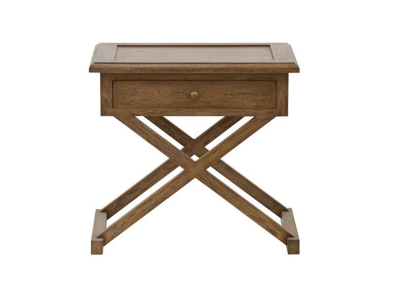 Прикроватная тумба Kilmory Bedside TableПрикроватные тумбы, комоды, столики<br>Перекрещивающиеся ножки делают эту тумбу очень лекой благодаря сходству со складными предметами мебели. Все детали выполнены искусно и с любовью -- кромка столешницы, боковины подстолья, маленький выдвижной ящичек.<br><br>Material: Дерево<br>Length см: 60<br>Width см: 50<br>Height см: 56