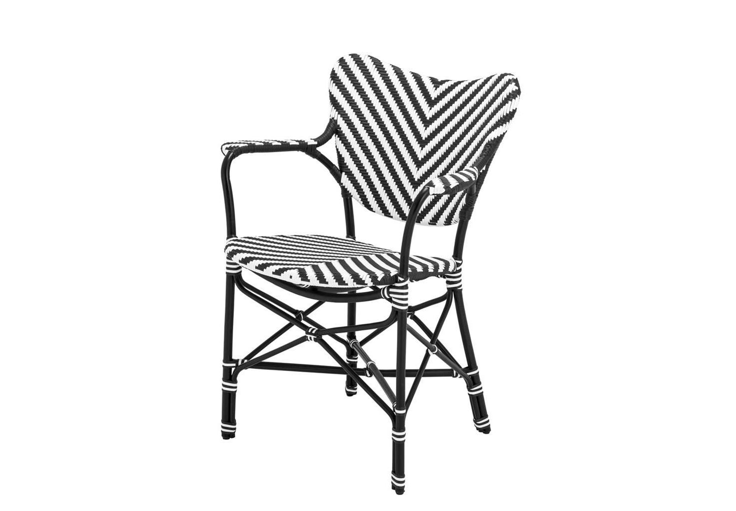 КреслоКресла для сада<br>Кресло Chair Colony выполнено из ротанга с черно-белым орнаментом.<br><br>Material: Ротанг<br>Width см: 63<br>Depth см: 54<br>Height см: 87