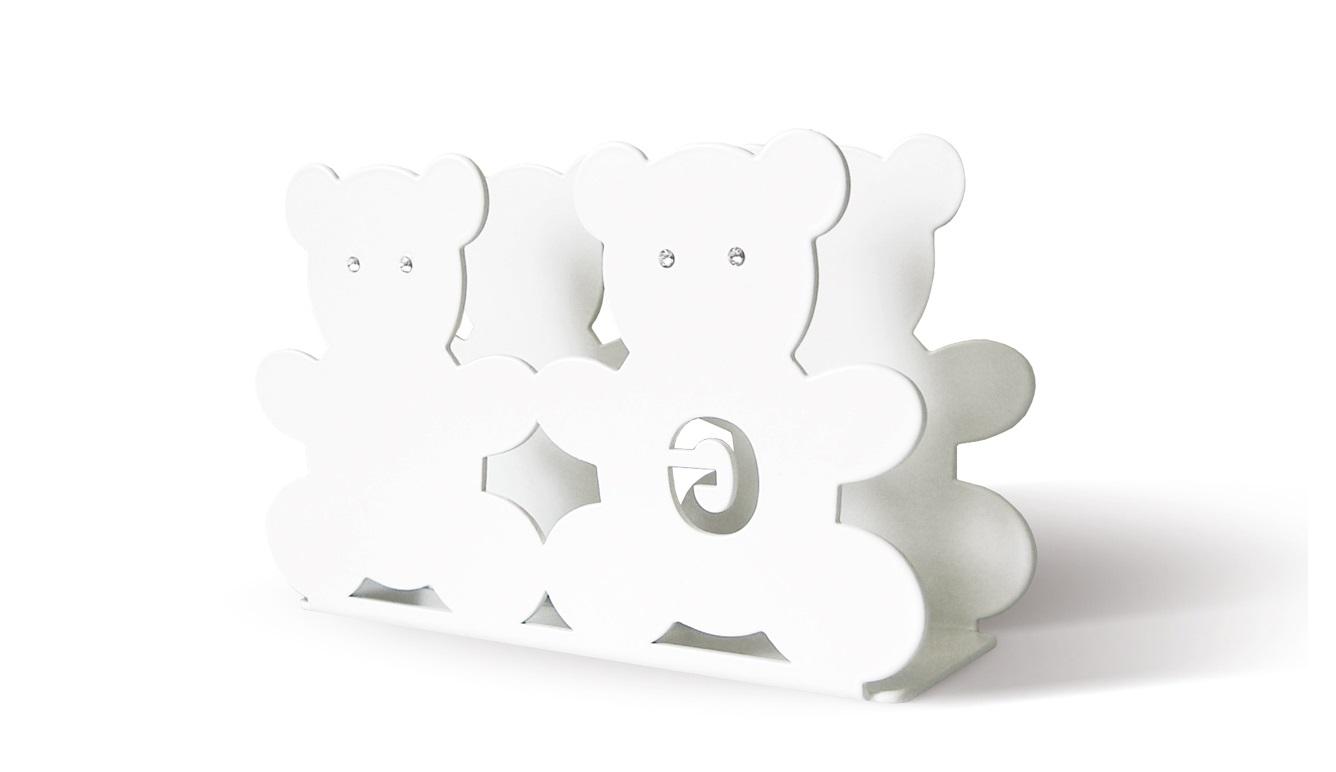 Салфетница TEDYАксессуары для кухни<br>&amp;lt;div&amp;gt;Салфетница TEDY с кристаллами Swarovski - это эксклюзивный предмет дизайна премиум класса, выполненный вручную. Такой нежный элемент декора станет ключевым акцентом на кухне или на столике в детской. Декоративная салфетница TEDY подходит для организации салфеток, конвертов, писем. Также, салфетница TEDY может служить оригинальной закладкой для Вашей любимой книги. Салфетница TEDY, в сочетании с другими предметами из коллекции TEDY станет незабываемым подарком на крестины, именины, свадьбу или новоселье! Декоративная салфетница TEDY оснащена силиконовыми подушечками, что позволит избежать повреждений на поверхности мебели или самого предмета.&amp;lt;/div&amp;gt;&amp;lt;div&amp;gt;&amp;lt;br&amp;gt;&amp;lt;/div&amp;gt;&amp;lt;div&amp;gt;Материал: сталь, кристаллы Swarovski&amp;lt;/div&amp;gt;&amp;lt;div&amp;gt;&amp;lt;br&amp;gt;&amp;lt;/div&amp;gt;<br><br>Material: Сталь<br>Ширина см: 16<br>Высота см: 10<br>Глубина см: 5