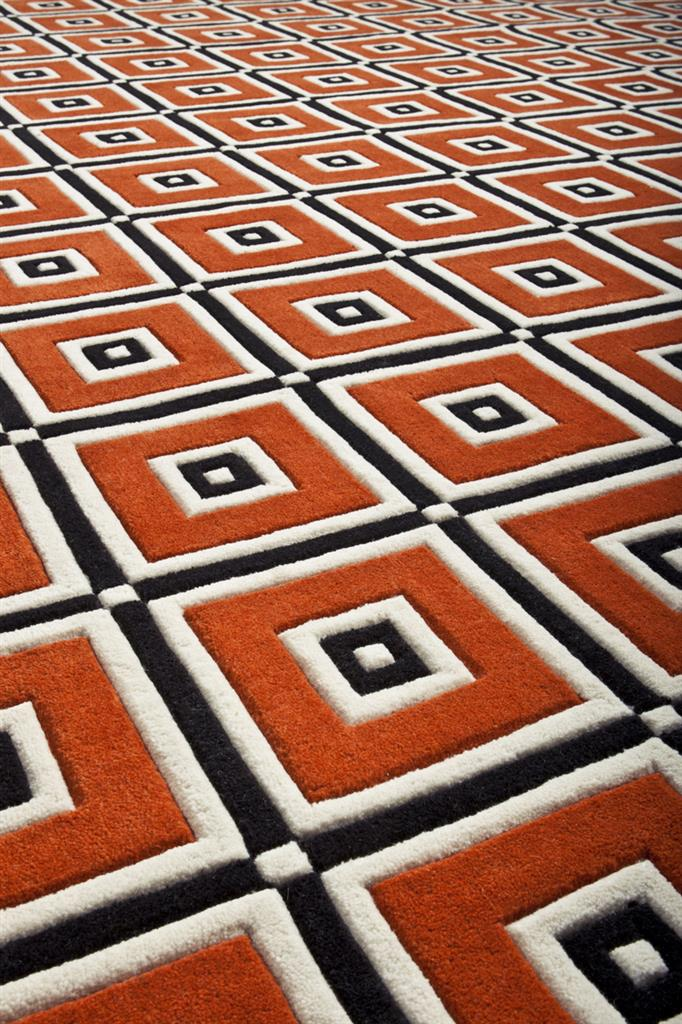 КоверКвадратные ковры<br>Ковер Carpet Stella выполнен из 100% новозелландской шерсти. Цвет: оранжевый с белым и черным орнаментом. Ручная работа.<br><br>Material: Шерсть<br>Width см: 290<br>Depth см: 290