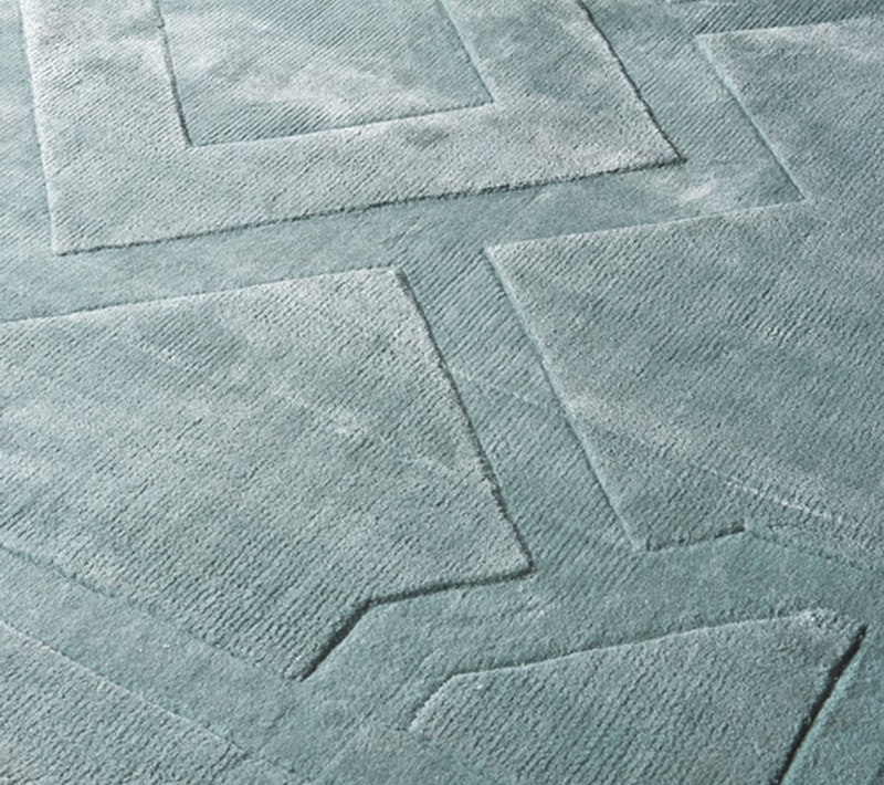 КоверПрямоугольные ковры<br>Ковер Carpet Warner выполнен из 100% вискозы. Цвет: светло-голубой. Ручная работа.<br><br>Material: Вискоза<br>Ширина см: 240<br>Глубина см: 170
