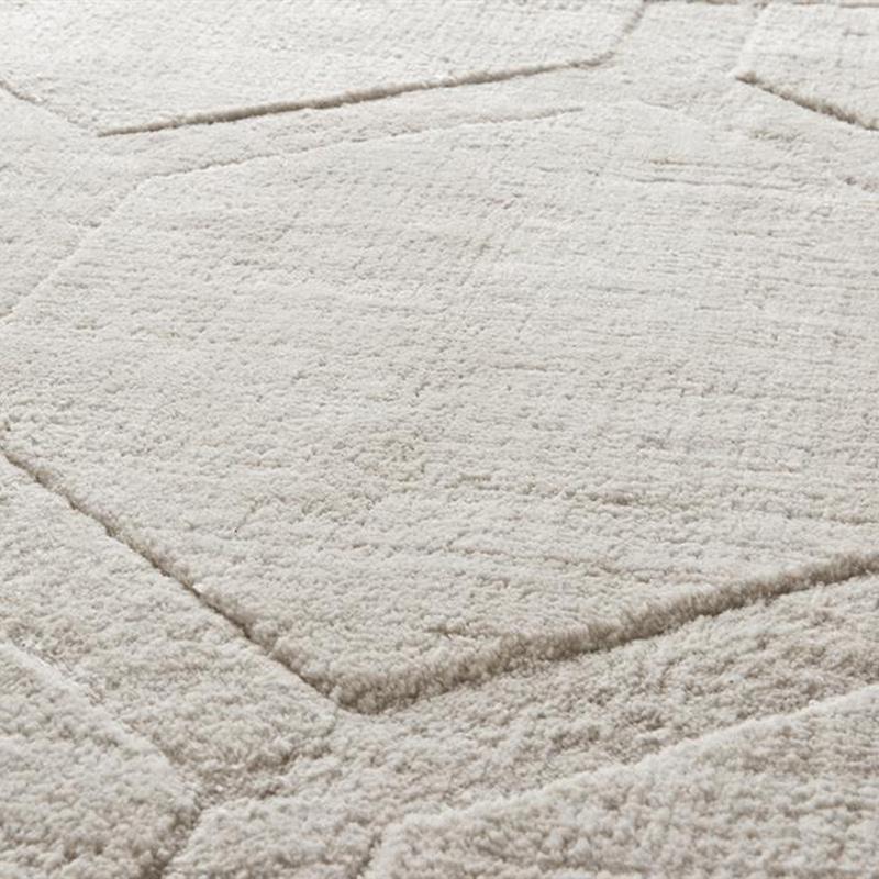 КоверПрямоугольные ковры<br>Ковер Carpet Wilton выполнен из 100% вискозы. Цвет: кремовый. Ручная работа.<br><br>Material: Вискоза<br>Width см: 240<br>Depth см: 170