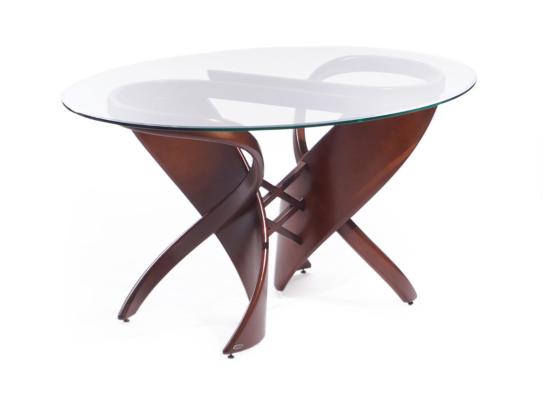 """Стол обеденный """"Virtuos С""""Обеденные столы<br>Правильно подобранный обеденный стол позволит создать в Вашей квартире более гостеприимную атмосферу, а семейные торжества станут ярче и веселей. Благодаря неповторимому стилю, стеклянный обеденный стол """"Virtuos-C"""" займет ключевое место в центре вашей столовой или гостиной, и станет поистине предметом Вашей гордости.<br>И как всегда, уникальная черта мебельной фабрики – возможность подобрать стол в большом и удобном для всего семейства размере.<br><br>Material: Стекло<br>Length см: None<br>Width см: 150<br>Depth см: 95<br>Height см: 76"""