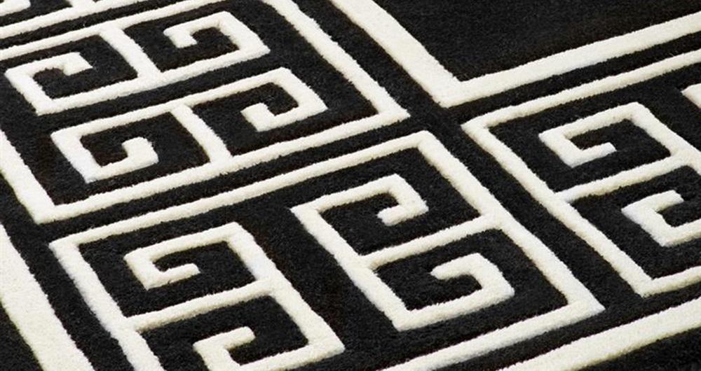 КоверПрямоугольные ковры<br>Ковер Carpet Apollo выполнен из 100% новозелландской шерсти. Цвет: черный с белым орнаментом. Ручная работа.<br><br>Material: Шерсть<br>Ширина см: 400<br>Глубина см: 300