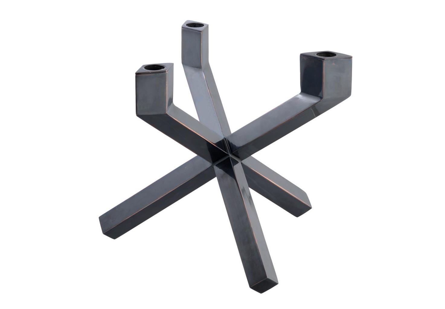 КанделябрПодсвечники<br>Канделябр Candle Holder Mykonos выполнен из металла бронзового цвета.<br><br>Material: Металл<br>Width см: 27<br>Depth см: 27<br>Height см: 24