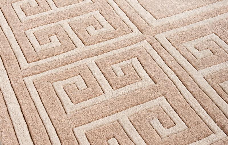 КоверКвадратные ковры<br>Ковер Carpet Apollo выполнен из 100% новозелландской шерсти. Цвет: бежевый с орнаментом. Ручная работа.<br><br>Material: Шерсть<br>Ширина см: 300<br>Глубина см: 300