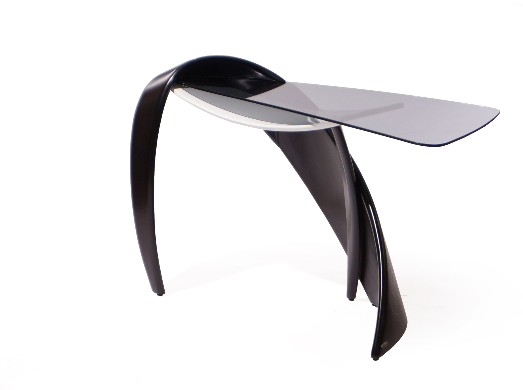 Стол BrazoТуалетные столики<br>стол туалетный из асимметричной коллекции для спальной. Может использоваться как небольшой письменный стол для работы за ноутбуком.&amp;amp;nbsp;&amp;lt;div&amp;gt;&amp;lt;br&amp;gt;&amp;lt;/div&amp;gt;&amp;lt;div&amp;gt;Материал<br>Натуральное дерево/береза /9т венге&amp;lt;/div&amp;gt;<br><br>Material: Стекло<br>Ширина см: 128<br>Высота см: 87<br>Глубина см: 56