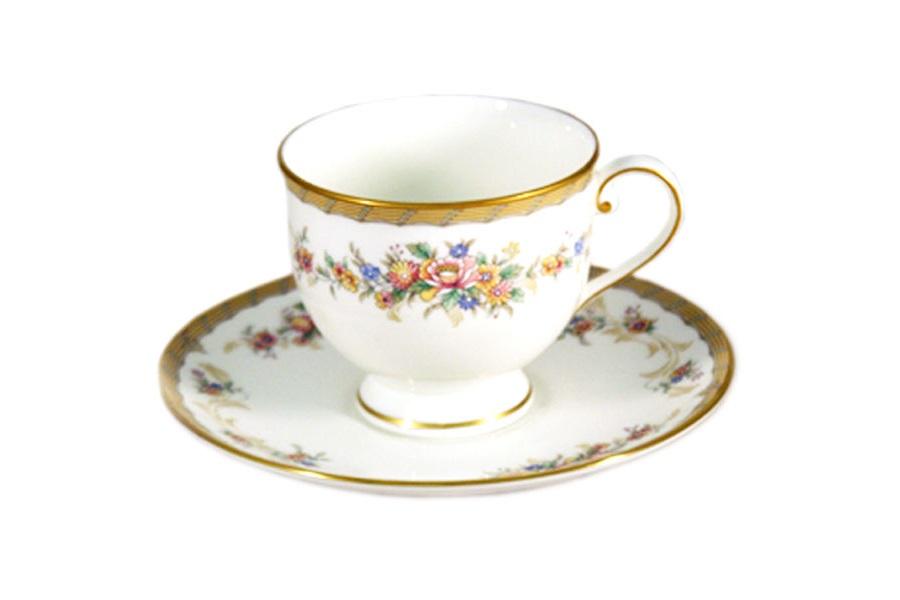 Чашка с блюдцем НаслаждениеЧайные пары, чашки и кружки<br>&amp;lt;span style=&amp;quot;font-size: 14px;&amp;quot;&amp;gt;Объем:&amp;amp;nbsp;0,2 л.&amp;lt;/span&amp;gt;<br><br>Material: Фарфор