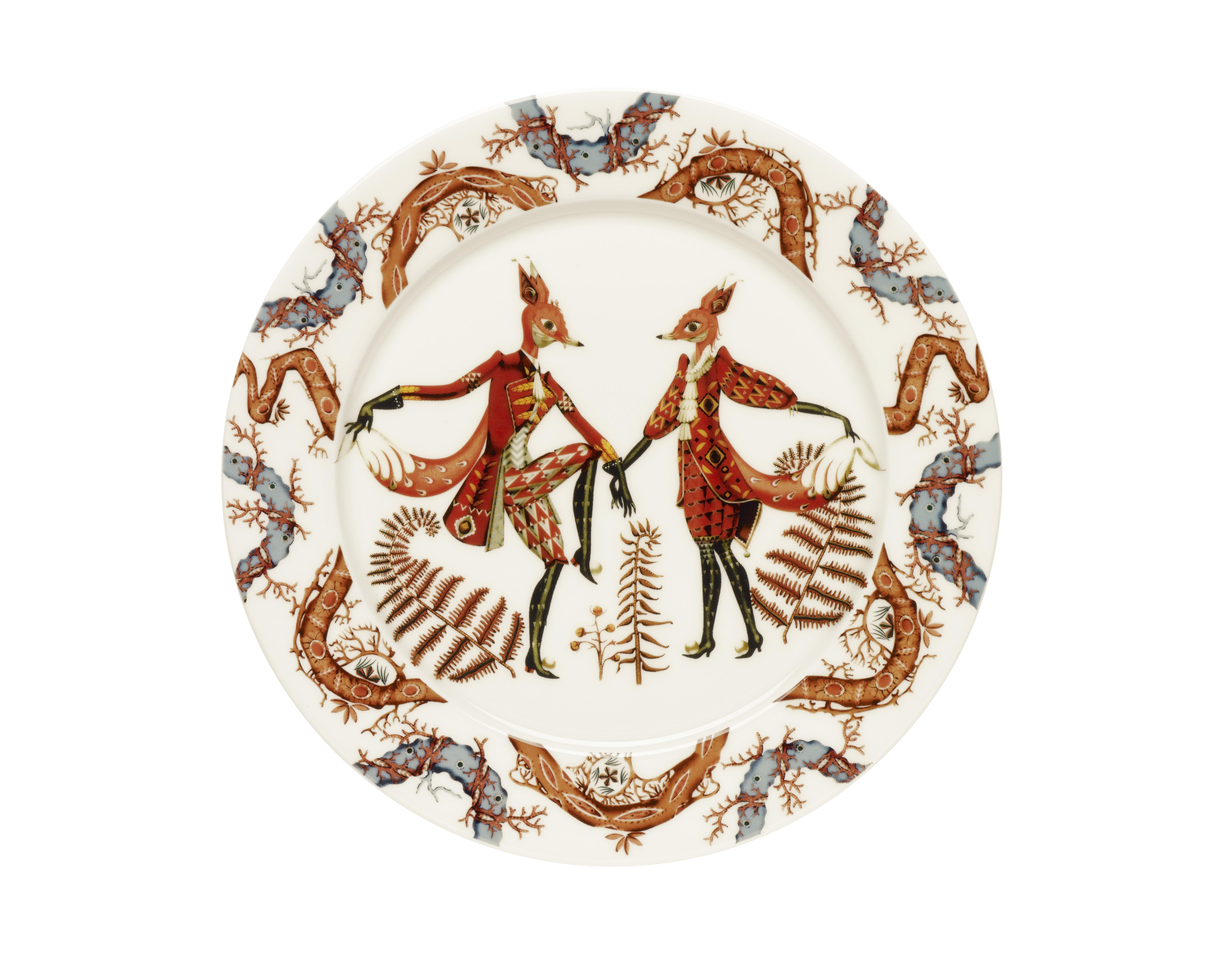 Тарелка TanssiТарелки<br>Tanssi, что означает «танец» на финском языке - это новая коллекция, которую создал знаменитый финиский дизайнер и иллюстратор Klaus Haapaniemi. Klaus вводит мифологию в повседневную посуду, которая станет прекрасным дополнением к любой коллекции Iittala.<br><br>Material: Фарфор<br>Length см: None<br>Width см: None<br>Depth см: None<br>Height см: 1<br>Diameter см: 27,2