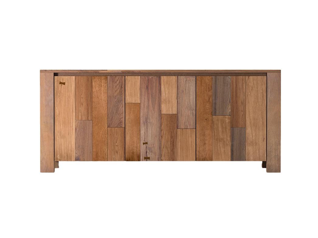 Комод LombardoИнтерьерные комоды<br>Строгие линии, надёжная сборка, вместительность и экологичность – главные характеристики комода Lombardo. Это настоящая мебель от природы. Изготовлен комод из массива тика. Именно фактура тиковой древесины определяет его оригинальную расцветку. «Радуга» о...<br><br>Material: Тик<br>Ширина см: 210<br>Высота см: 90<br>Глубина см: 45