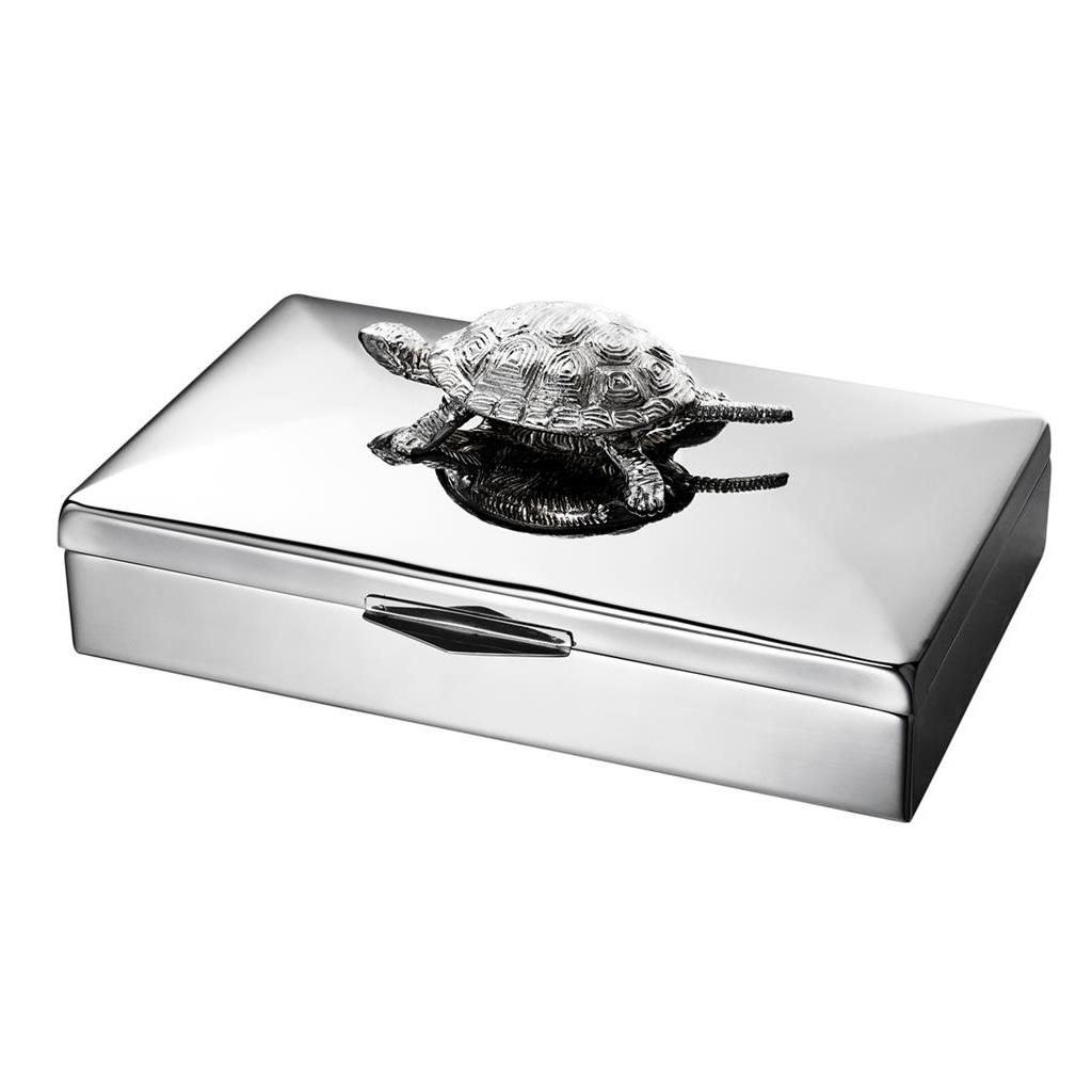 ШкатулкаШкатулки<br>Прямоугольная шкатулка Box Rectangular Tortoise выполнена из полированной нержавеющей стали с никелированной декоративной черепахой на крышке.<br><br>Material: Металл<br>Ширина см: 33.0<br>Высота см: 13<br>Глубина см: 22.0