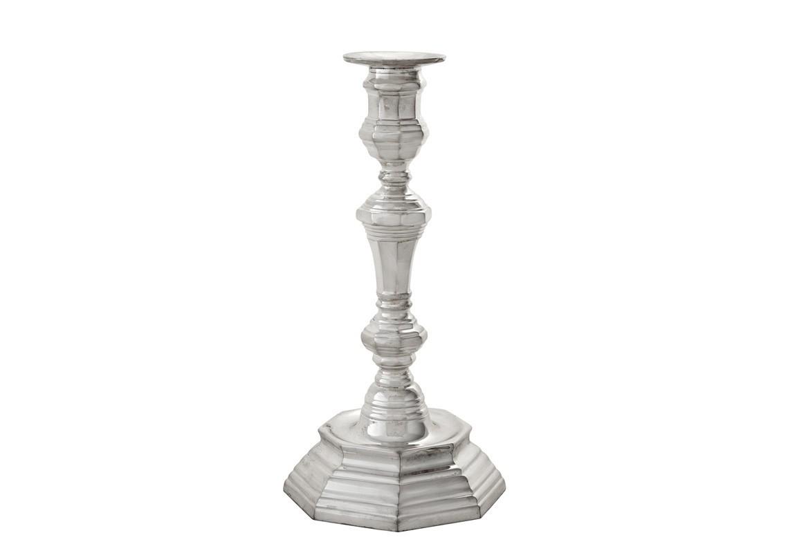 КанделябрПодсвечники<br>Канделябр Candle Holder Barthelemy выполнен из никелированного металла.<br><br>Material: Металл<br>Ширина см: 12<br>Высота см: 26<br>Глубина см: 12