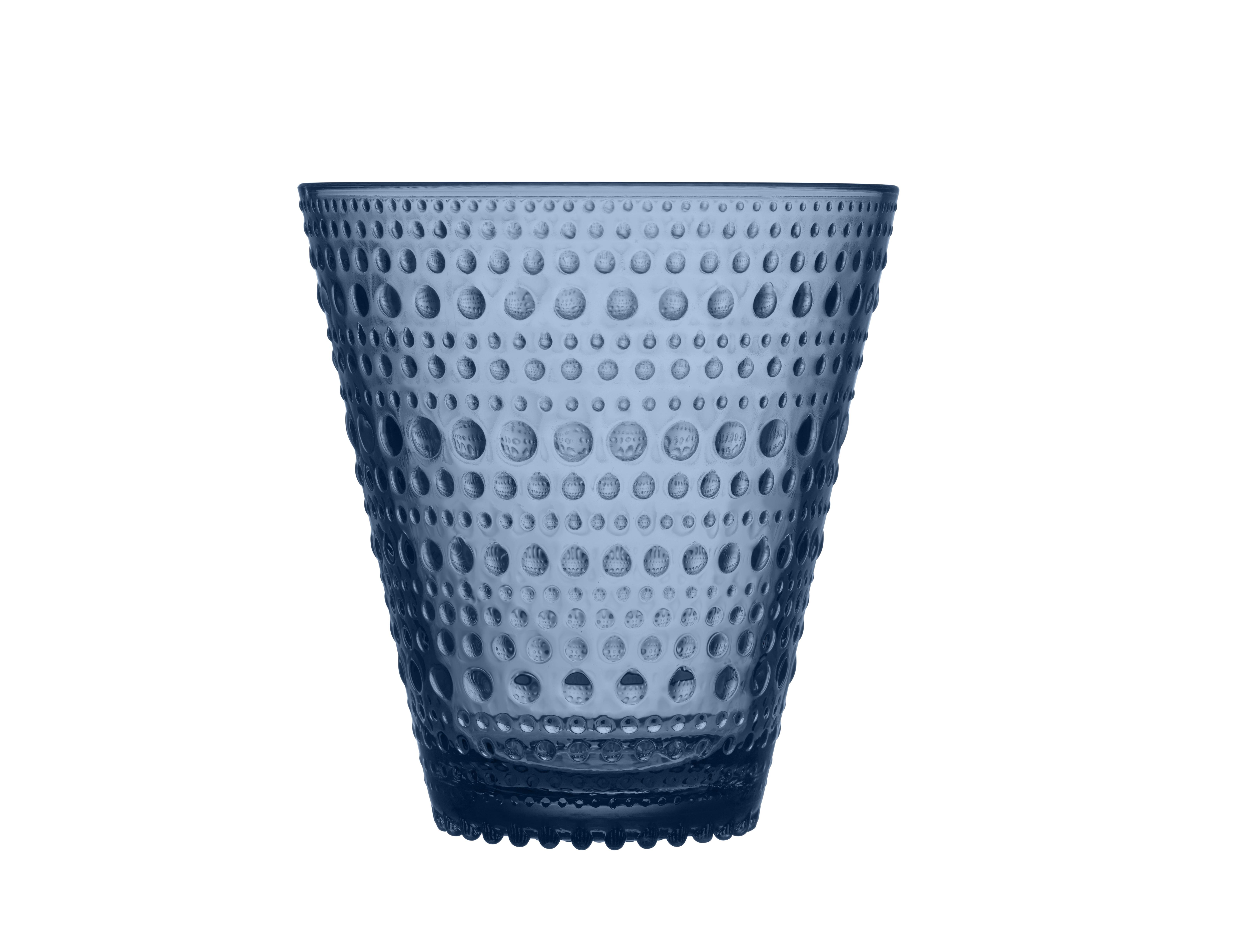 Стакан Kastehelmi (2 шт)Стаканы<br>Ассортимент Kastehelmi это изделия из стекла, которые были созданы в 1964 году. Чтобы отпразновать 50-летие сотрудничества с финским художником по цветному стеклу Ойва Тойкка компания Iittala в 2010 году отобрала наиболее популярные его работы. Тойкка решил проблему как скрыть дефекты серийного производства стеклянных предметов. Так появилась идея украсить продукцию капельками стекла.<br><br>Material: Стекло<br>Length см: None<br>Width см: 18<br>Depth см: 111<br>Height см: 9<br>Diameter см: None