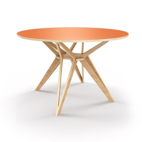 Стол HagforsОбеденные столы<br>Hagfors – это стол, необычный дизайн которого создаст изящный акцент в вашем интерьере. Окрас столешницы в морковный цвет, отделка подстолья шпоном дуба. Сборка не требуется. Возможен в диаметрах 60, 90, 100, 120 и 148см.<br><br>Material: Фанера<br>Height см: 75<br>Diameter см: 148