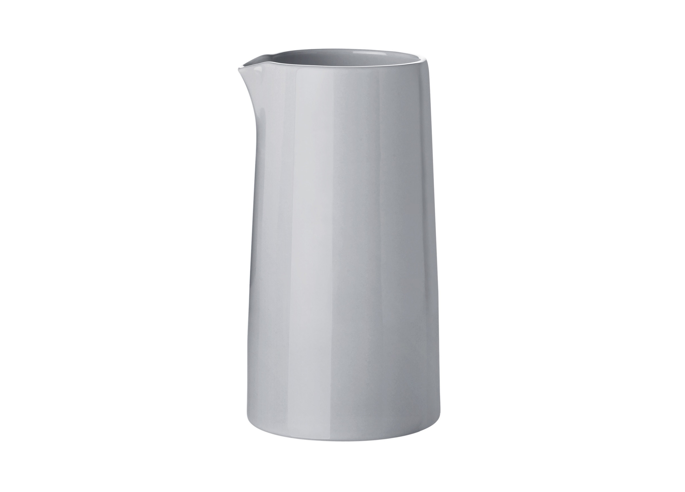 Термо-молочник EmmaКофейники и молочники<br>Термо-молочник Emma 0,3Л. Объем 300мл. Благодаря двойным стенкам и специальным термо-технологиям молочник прохладный с внешней стороны, в то время, как молоко внутри молочника надолго сохраняет свое тепло. Вы можете использовать молочник 2мя способами: 1. Налить в молочник заранее разогреть молоко 2. Налить молоко в молочник и разогреть непосредственно в микроволновой печи.<br><br>Material: Керамика<br>Width см: 8.5<br>Depth см: 8.5<br>Height см: 16