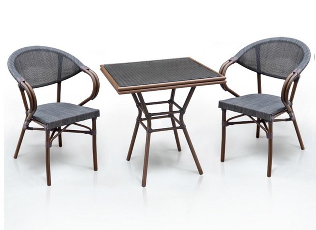 Набор мебелиКомплекты уличной мебели<br>Стол: D70xW70хH74 см. <br>Стекло: закаленное- 5 мм.<br>Каркас: алюминий с полимерным покрытием. <br>Столешница текстилен &amp;amp;nbsp;&amp;lt;div&amp;gt;Кресло: W56хВ62xH82 см. <br>Каркас: алюминий &amp;amp;nbsp;с полимерным покрытием. <br>Материал: текстилен 4х4&amp;amp;nbsp;&amp;lt;/div&amp;gt;<br><br>Material: Искусственный ротанг