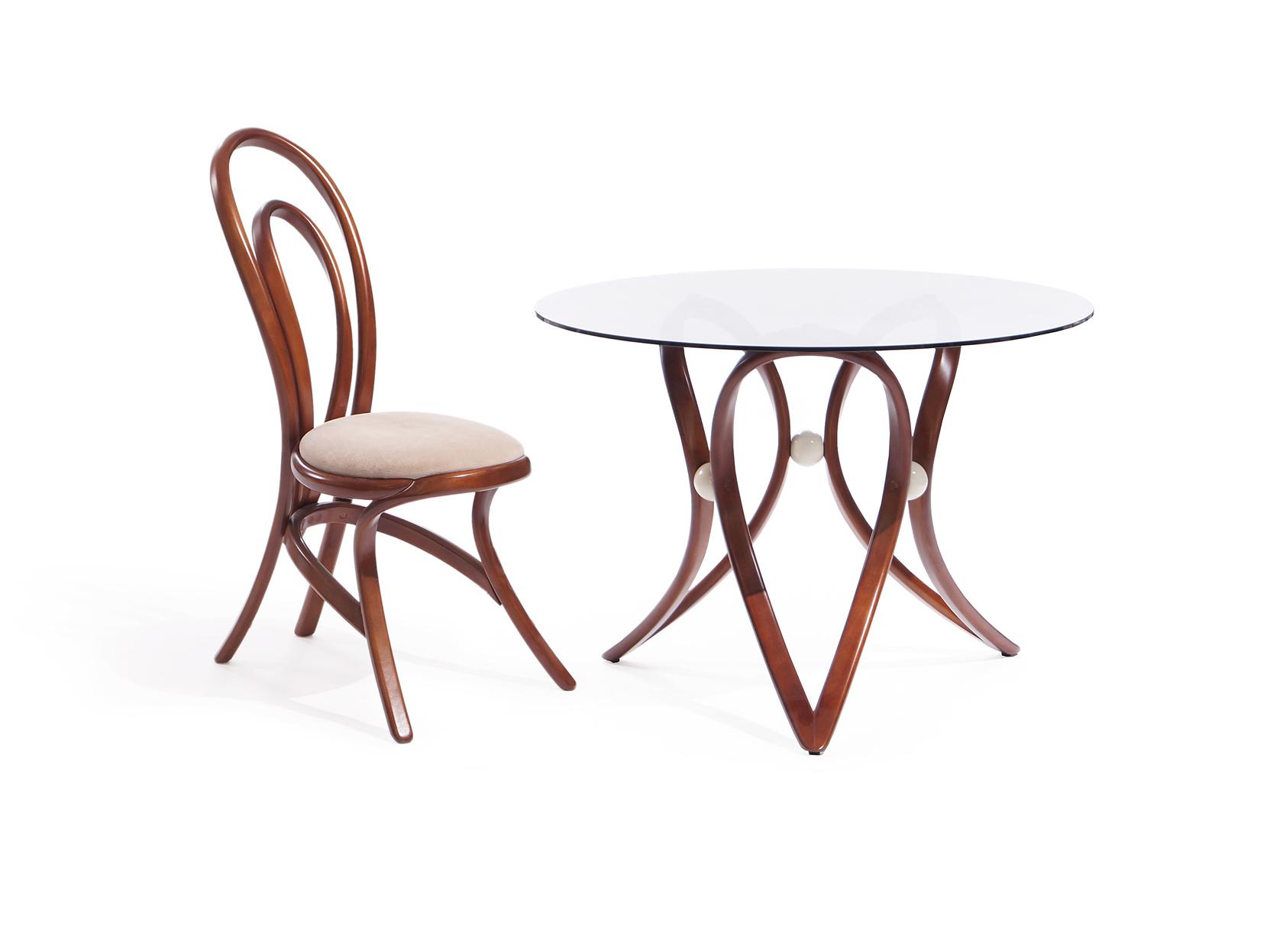 Обеденная группа Apriori V (стол + 4 стула)Комплекты для столовой<br>&amp;lt;div&amp;gt;&amp;lt;div&amp;gt;Обеденный круглый стол с изящным основанием из натурального дерева.&amp;amp;nbsp;&amp;lt;span style=&amp;quot;font-size: 14px;&amp;quot;&amp;gt;Стул из натурального гнутого дерева симметричной коллекции &amp;quot;Apriori&amp;quot;.&amp;amp;nbsp;&amp;lt;/span&amp;gt;&amp;lt;/div&amp;gt;&amp;lt;div&amp;gt;&amp;lt;br&amp;gt;&amp;lt;/div&amp;gt;&amp;lt;div&amp;gt;&amp;lt;span style=&amp;quot;font-size: 14px;&amp;quot;&amp;gt;Размеры стола : 105/75 см.&amp;lt;/span&amp;gt;&amp;lt;br&amp;gt;&amp;lt;/div&amp;gt;&amp;lt;div&amp;gt;Материал стола: береза, с&amp;lt;span style=&amp;quot;font-size: 14px;&amp;quot;&amp;gt;текло тонированное.&amp;lt;/span&amp;gt;&amp;lt;/div&amp;gt;&amp;lt;div&amp;gt;Размеры стула: 96/45/57 см.&amp;lt;/div&amp;gt;&amp;lt;/div&amp;gt;&amp;lt;div&amp;gt;Материал стула: дерево.&amp;lt;/div&amp;gt;&amp;lt;div&amp;gt;&amp;lt;br&amp;gt;&amp;lt;/div&amp;gt;<br><br>Material: Береза<br>Height см: 75<br>Diameter см: 105