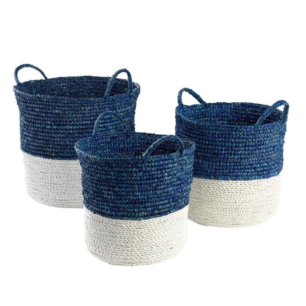 КорзинаКорзины<br>Набор из трех корзин Basket Clift set of 3 из сизаля - натурального грубого волокна, получаемого из листьев растения Agava. Цвет: синий, белый. Размеры: 44 x H. 37 cm, 36 x H. 31 cm, 30 x H. 29 cm.<br><br>Material: Текстиль