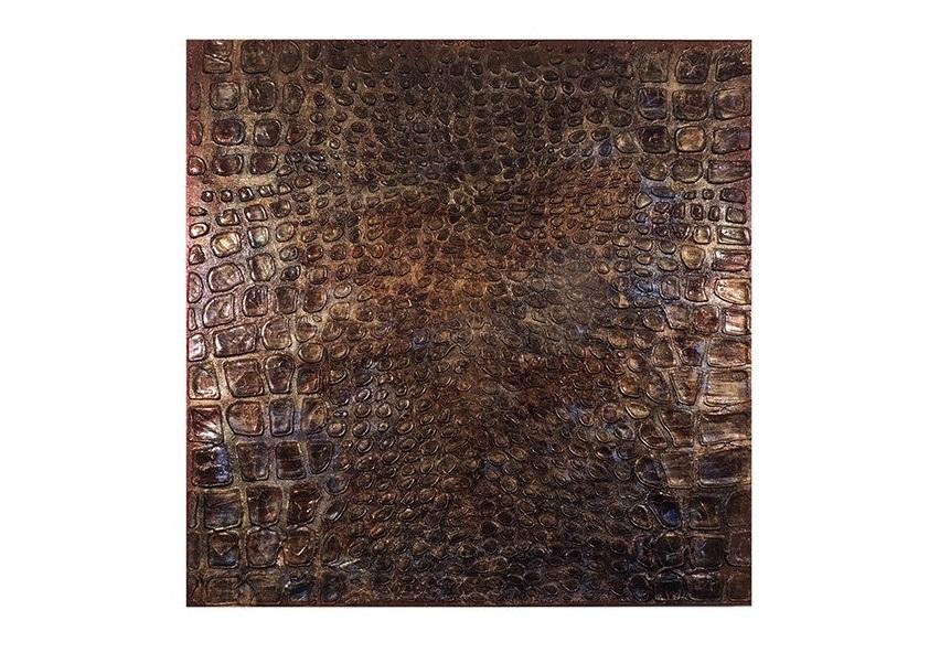 Настенное панно АллигаторПанно<br>Объемное настенное панно выполнено в анималистическом стиле и представляют собой имитацию кожи аллигатора. Позолочено золотыми сусальными листами ( иммитация) Покрыто разноцветными лаками для золочения.<br><br>Material: Холст<br>Width см: 100<br>Depth см: 4<br>Height см: 100