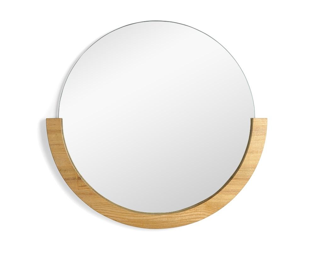 Зеркало настенное MiraНастенные зеркала<br>Стильное круглое зеркало с полукруглой рамкой из натурального ясеня. Минималистичный дизайн, мягкие формы и природные материалы. <br><br>Дизайн: Laura Reed<br><br>Material: Дерево<br>Ширина см: 56<br>Высота см: 53<br>Глубина см: 2