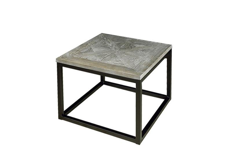 Столик BURTONПриставные столики<br>Приставной столик кубической формы лишен громоздкости, несмотря на использование тяжелых материалов в отделке. Столешница изготовлена из натурального дуба, стилизованного под старый паркет. Альтернативу традиционным ножкам составила литая конструкция из черного металла. BURTON может использоваться в качестве журнального, кофейного или консольного столика.<br><br>Material: Дуб<br>Ширина см: 60<br>Высота см: 45<br>Глубина см: 60