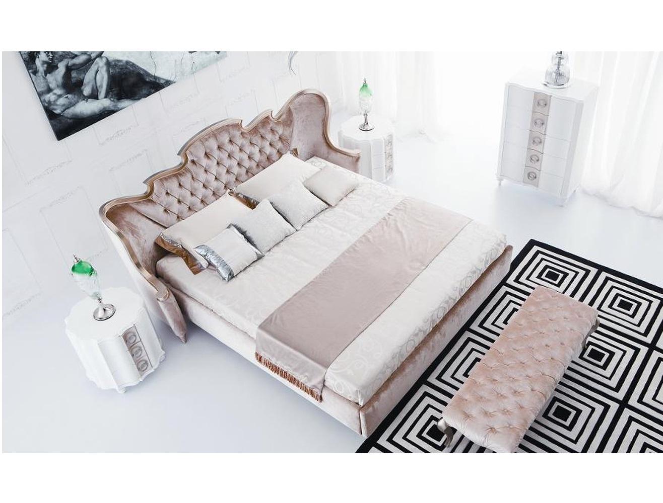 Кровать с решеткой RiminiКровати с мягким изголовьем<br>Кровать на низких конусообразных ножках выполнена в стиле Ар деко. Фигурное изголовье с загнутыми боковинками обито велюром и декорировано стежкой капитоне. Сделана из высококачественного МДФ высокой плотности и массива дерева, рама изголовья выполнена из полимерной смолы.&amp;lt;div&amp;gt;&amp;lt;br&amp;gt;&amp;lt;div&amp;gt;Размер спального места 200*200 см.&amp;lt;/div&amp;gt;&amp;lt;div&amp;gt;Фото в другой ткани!&amp;amp;nbsp;&amp;lt;br&amp;gt;&amp;lt;/div&amp;gt;&amp;lt;/div&amp;gt;<br><br>Material: Текстиль<br>Ширина см: 257<br>Высота см: 132<br>Глубина см: 230