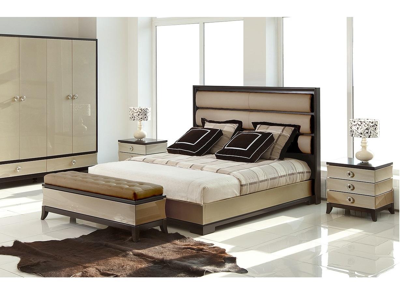 Кровать с решеткой PratoКровати с мягким изголовьем<br>Кровать с решеткой выполнена в стиле Ар деко.&amp;lt;div&amp;gt;&amp;lt;br&amp;gt;&amp;lt;/div&amp;gt;&amp;lt;div&amp;gt;Высокое изголовье обито бежевым велюром MOKI-45.&amp;amp;nbsp;&amp;lt;/div&amp;gt;&amp;lt;div&amp;gt;Размер спального места 180*200 см.&amp;amp;nbsp;&amp;lt;/div&amp;gt;&amp;lt;div&amp;gt;Поставляется без матраса и без постельных принадлежностей.&amp;lt;/div&amp;gt;<br><br>Material: Кожа<br>Width см: 200<br>Depth см: 219<br>Height см: 141