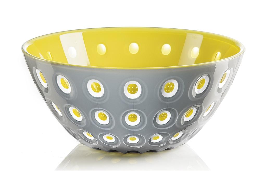 Салатница le murrineМиски и чаши<br>Эта оригинальная салатница Le Murrine является результатом инновационного исследования Guzzini в области форм и материалов. Технология инжекторной трехцветной штамповки 3 Color Tech образует уникальный эффект, который делает салатницу изысканным и неповторимым предметом для сервировки. Наложенные друг на друга три слоя пластика позволяют создавать игру цвета, чередовать плотные и прозрачные, полированные и матовые поверхности.<br><br>Салатница подойдет для подачи десертов, выпечки, мороженого и других блюд, а так же может служить изящным декоративным элементом вашего дома. <br>Объем 2,7 л. Изготовлена из безопасного высококачественного пластика, устойчивого к износу и повреждениям. Можно мыть в посудомоечной машине.<br><br>Material: Пластик<br>Высота см: 11