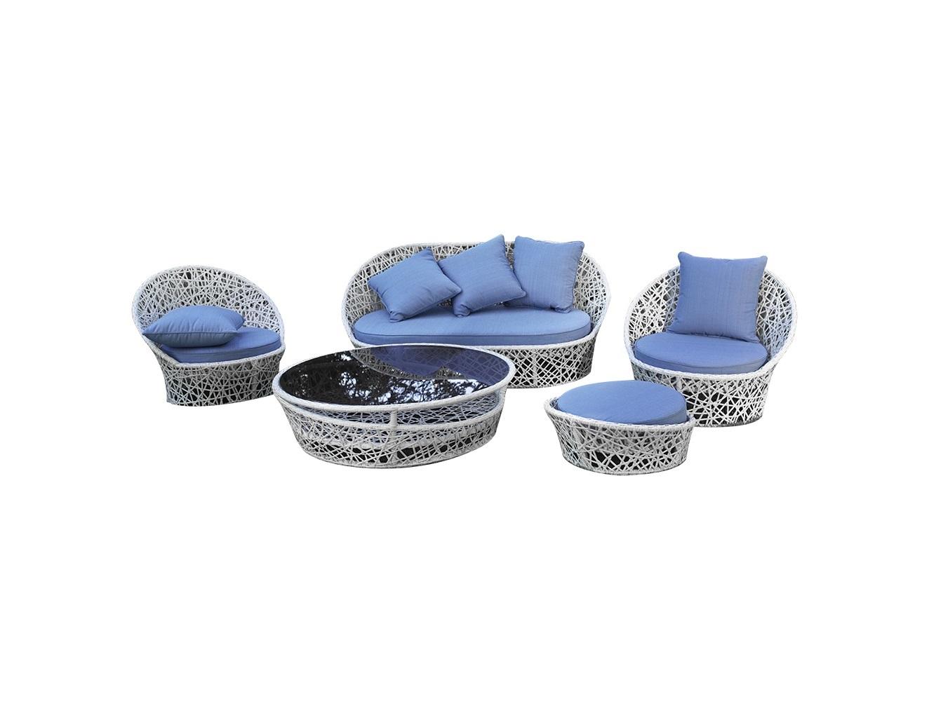 Комплект мебели ЛаурельКомплекты уличной мебели<br>Комплект мебели коллекции «Лаурель» поможет создать в Вашем интерьере ощущение легкости и воздушности, придаст ему спокойствие и величие. Небесно-голубые подушки в сочетании с белым плетением привнесут в Ваш дом стиль и особое настроение. Изящная мебель этой коллекции, как ни что иное, подчеркнет утонченность вкуса и благородство хозяев дома.&amp;amp;nbsp;&amp;lt;div&amp;gt;&amp;lt;br&amp;gt;&amp;lt;/div&amp;gt;&amp;lt;div&amp;gt;В комплект входит: диван, 2 кресла, столик и оттоманка.<br>Мебель из коллекции «Лаурель» может стоять на улице круглый год. Не боятся влаги и мороза.&amp;amp;nbsp;&amp;lt;/div&amp;gt;&amp;lt;div&amp;gt;Каркас не разборный, не раскладывается, подушки входят в стоимость. &amp;amp;nbsp;&amp;lt;/div&amp;gt;&amp;lt;div&amp;gt;&amp;lt;br&amp;gt;&amp;lt;/div&amp;gt;&amp;lt;div&amp;gt;Размеры мебели в комплекте:&amp;amp;nbsp;&amp;lt;/div&amp;gt;&amp;lt;div&amp;gt;Диван Лаурель 94*85.5*80&amp;amp;nbsp;&amp;lt;/div&amp;gt;&amp;lt;div&amp;gt;Кресло Лаурель 178*88*80&amp;amp;nbsp;&amp;lt;/div&amp;gt;&amp;lt;div&amp;gt;Столик Лаурель 50*97*46&amp;amp;nbsp;&amp;lt;/div&amp;gt;&amp;lt;div&amp;gt;Оттоманка Лаурель  ф67*28&amp;amp;nbsp;&amp;lt;/div&amp;gt;<br><br>Material: Искусственный ротанг