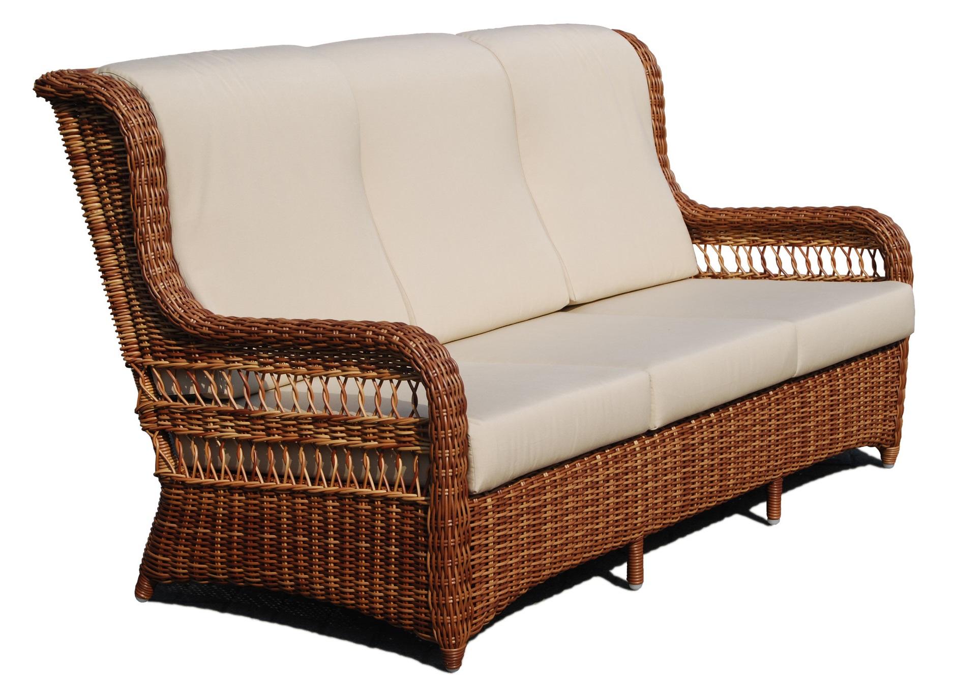Диван EBONYДиваны и оттоманки для сада<br>Двухместный диванчик с высокой спинкой с удобным изгибом под голову. Классические &amp;quot;уши&amp;quot; и слегка растопыренные ножки делают предмет живым и уютным.<br>Диван с подушками.&amp;amp;nbsp;<br><br>Material: Искусственный ротанг<br>Ширина см: 140<br>Высота см: 103<br>Глубина см: 98