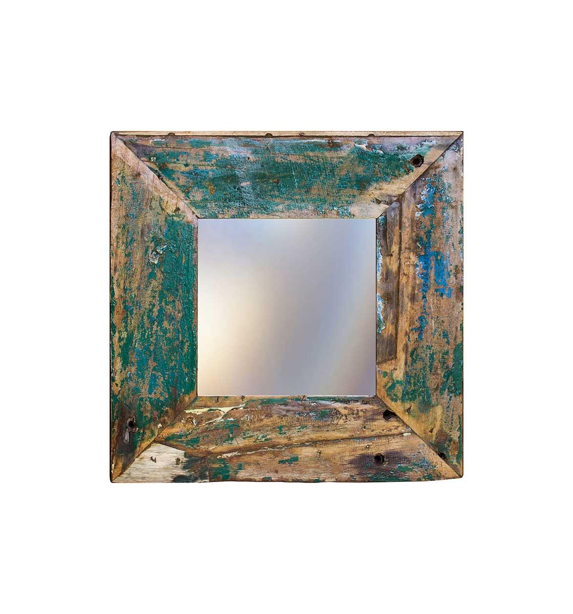 Зеркало Свет мой зеркальцеНастенные зеркала<br>Зеркало выполнено из фрагментов настоящего рыболовецкого судна, возраст которого 20-40 лет. Окрас сохранён оригинальный.<br><br>Material: Тик<br>Ширина см: 60<br>Высота см: 60<br>Глубина см: 4