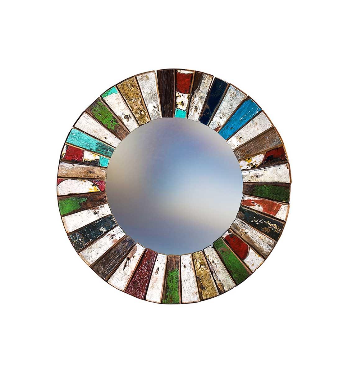 Зеркало КолобокНастенные зеркала<br>Круглое зеркало выполнено из фрагментов настоящего рыболовецкого судна, возраст которого 20-40 лет. Окрас сохранён оригинальный.&amp;amp;nbsp;<br><br>Material: Тик<br>Depth см: 4<br>Diameter см: 78