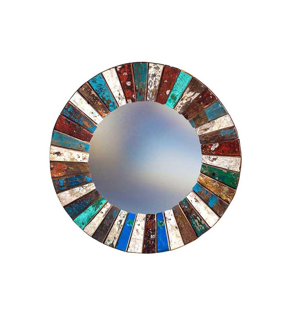 Зеркало КолобокНастенные зеркала<br>Круглое зеркало выполнено из фрагментов настоящего рыболовецкого судна, возраст которого 20-40 лет. Окрас сохранён оригинальный.&amp;amp;nbsp;<br><br>Material: Тик<br>Глубина см: 4