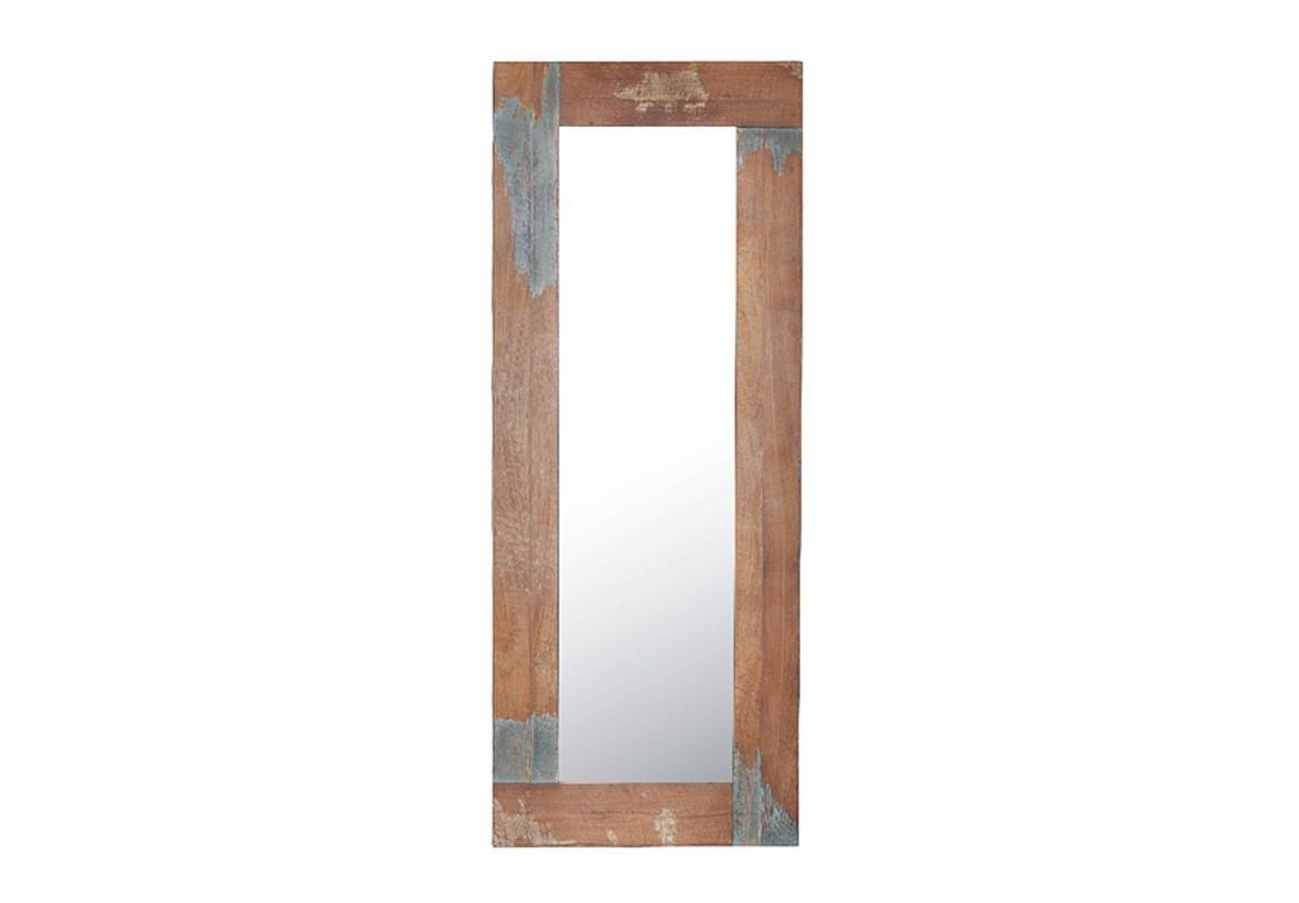 Зеркало Look 181Настенные зеркала<br>Зеркало LOOK 181 – это воплощение актуального течения в современном дизайне, тяготеющего к эстетике естественных, необработанных поверхностей, винтажных вещей с историей и характером. Фактурный кирпич, шероховатый бетон – идеальные соседи для этого зеркала с рамой со следами старой краски из изъеденного жучками дерева.<br><br>Material: Дерево<br>Length см: None<br>Width см: 71<br>Depth см: 4<br>Height см: 181<br>Diameter см: None