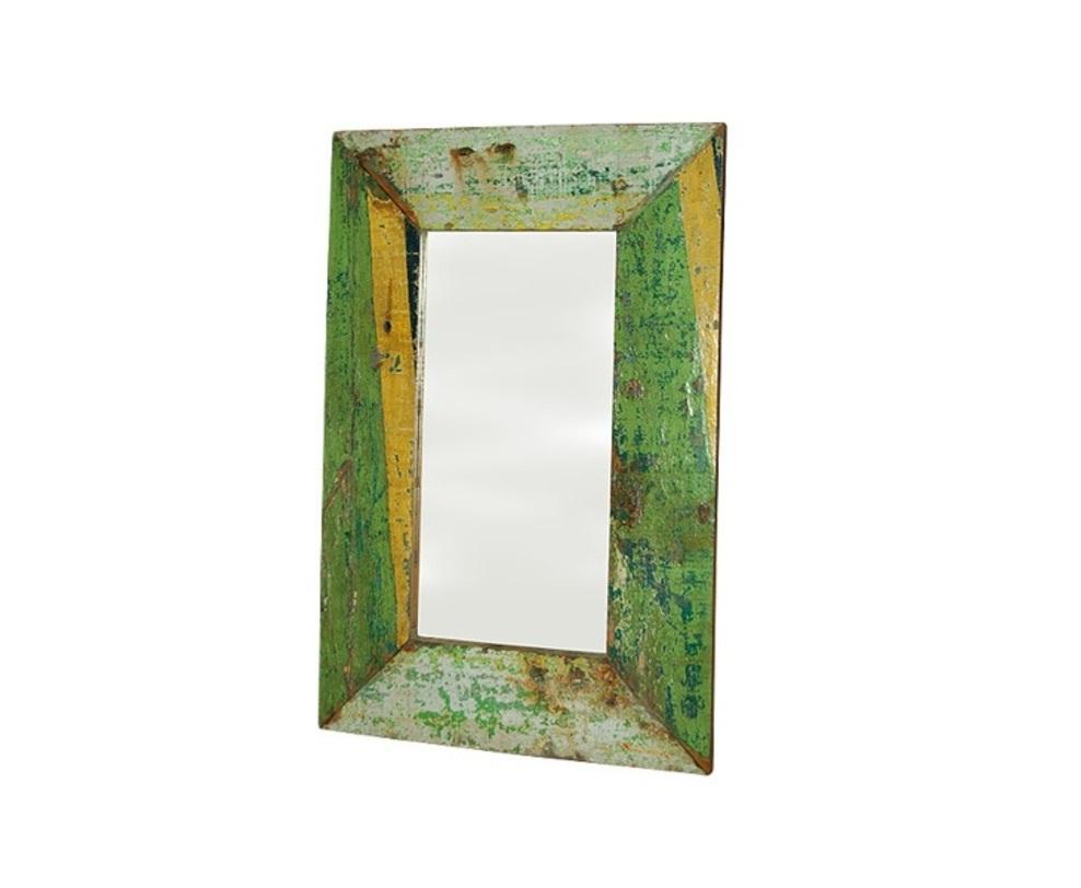 Зеркало  MoorНастенные зеркала<br>Вещи от Teak House не просто выглядят винтажно, они дышат историей и аутентичным колоритом Индонезии. Многие из них появились в результате вторичной переработки тиковых досок от старых домов, причалов и лодок. Разместите это зеркало серии MOOR в своем интерьере и фантазируйте о том, как могла выглядеть хижина того индонезийского рыбака, древесина которой пошла на создание рамы.<br><br>Material: Тик<br>Width см: 90<br>Depth см: 3<br>Height см: 180